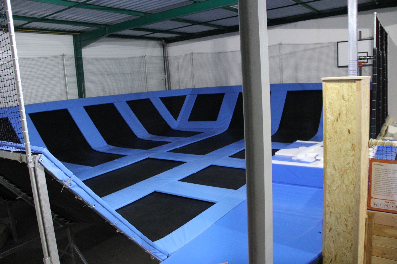 Small indoor trampoline hot girls wallpaper for Call girl salon de provence